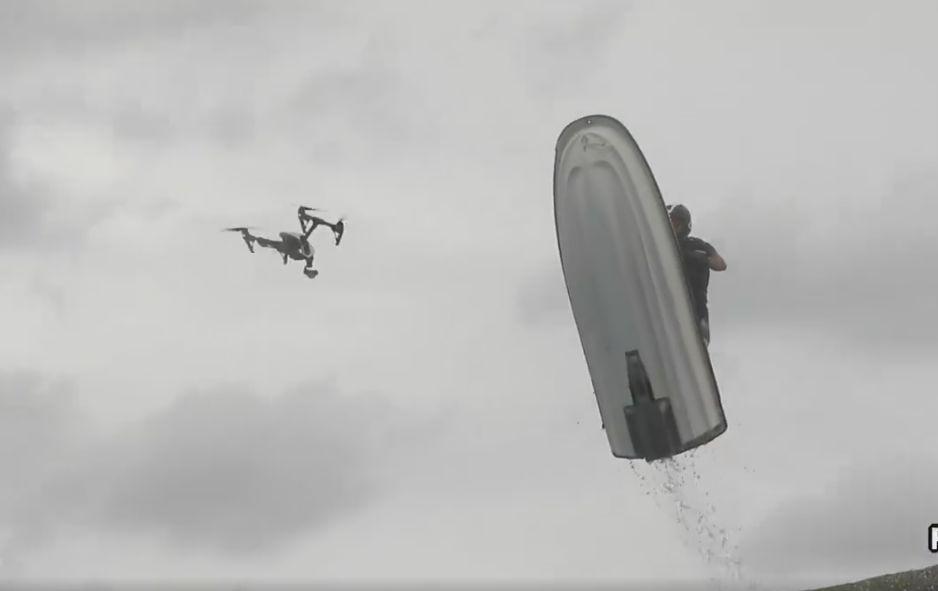 dron moto agua