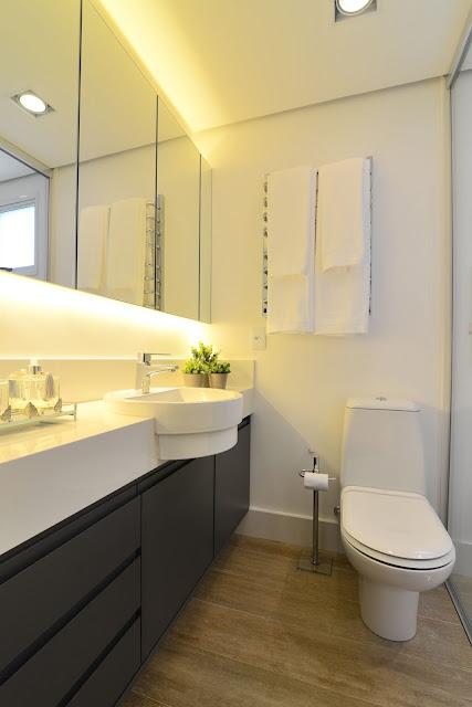 banheiro-porcelanato-madeira-piso