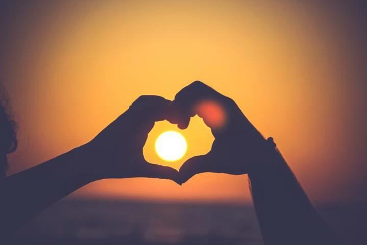 Kumpulan Pepatah Peribahasa Cinta Paling Populer