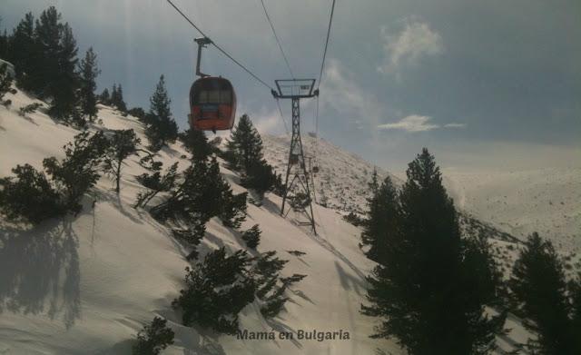 Estación de esquí de Bansko, esquiar en Bulgaria, turismo de invierno