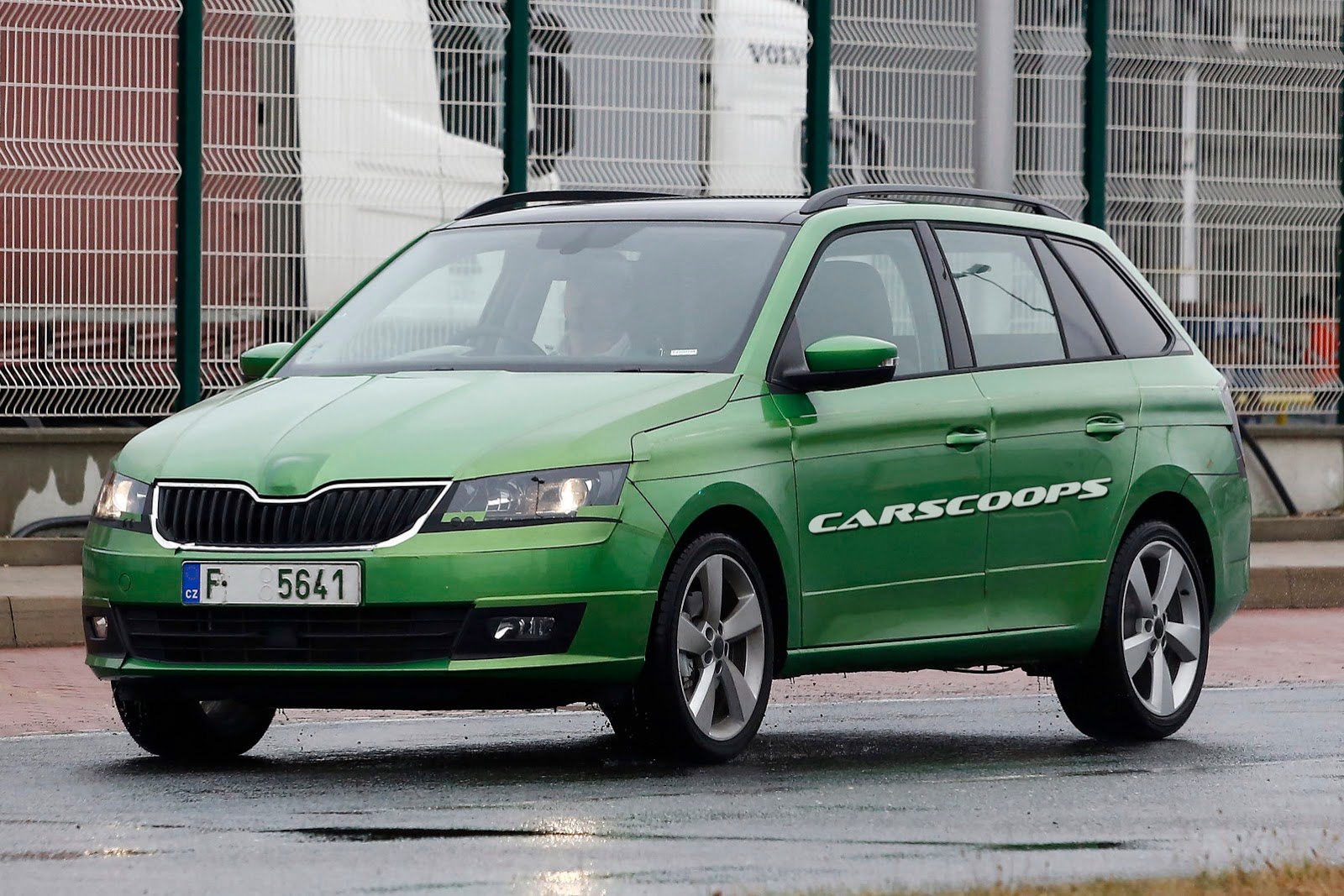 scoop skoda reels out barely camouflaged 2015 fabia combi carscoops. Black Bedroom Furniture Sets. Home Design Ideas