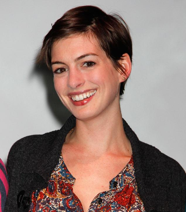 Anne Hathaway Real Name: Female Wallpaper