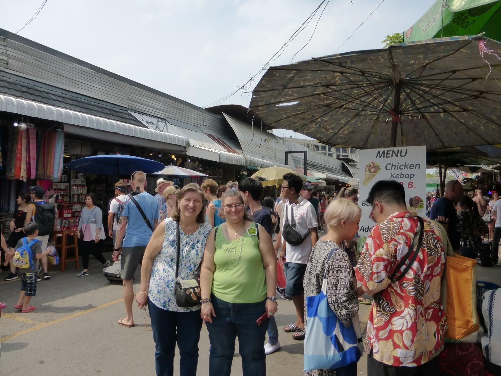 Mercado de Chatuchack, Bangkok, Tailandia, La vuelta al mundo de Asun y Ricardo, vuelta al mundo, round the world, mundoporlibre.com