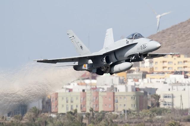 Spanish F-18 Hornet fighter jet crash