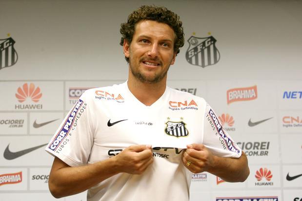 0617fdfc9b FUTEBOL - SANTOS F. C.  Elano pede Vanderlei na Seleção e brinca com ...