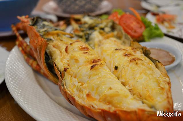 【泰國。華欣】KO Seafood:夜市內超搶眼的海鮮餐廳。 1
