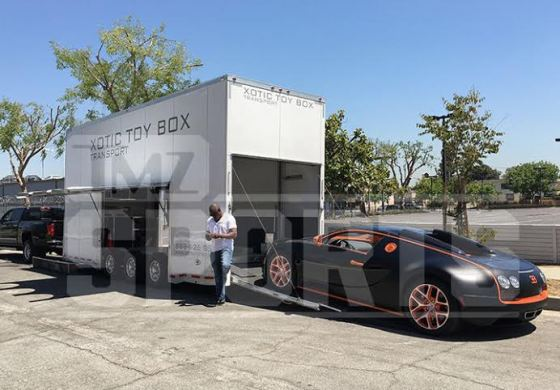 Floyd Mayweather pays over $50k to service his $1.5m Bugatti Veyron