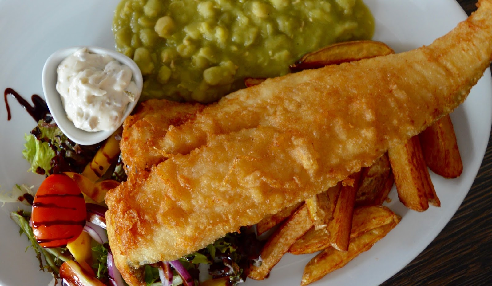 The best new restaurant in Whitley Bay - Evan's Bistro | Evening and Children's Menu Review  - fish and chips