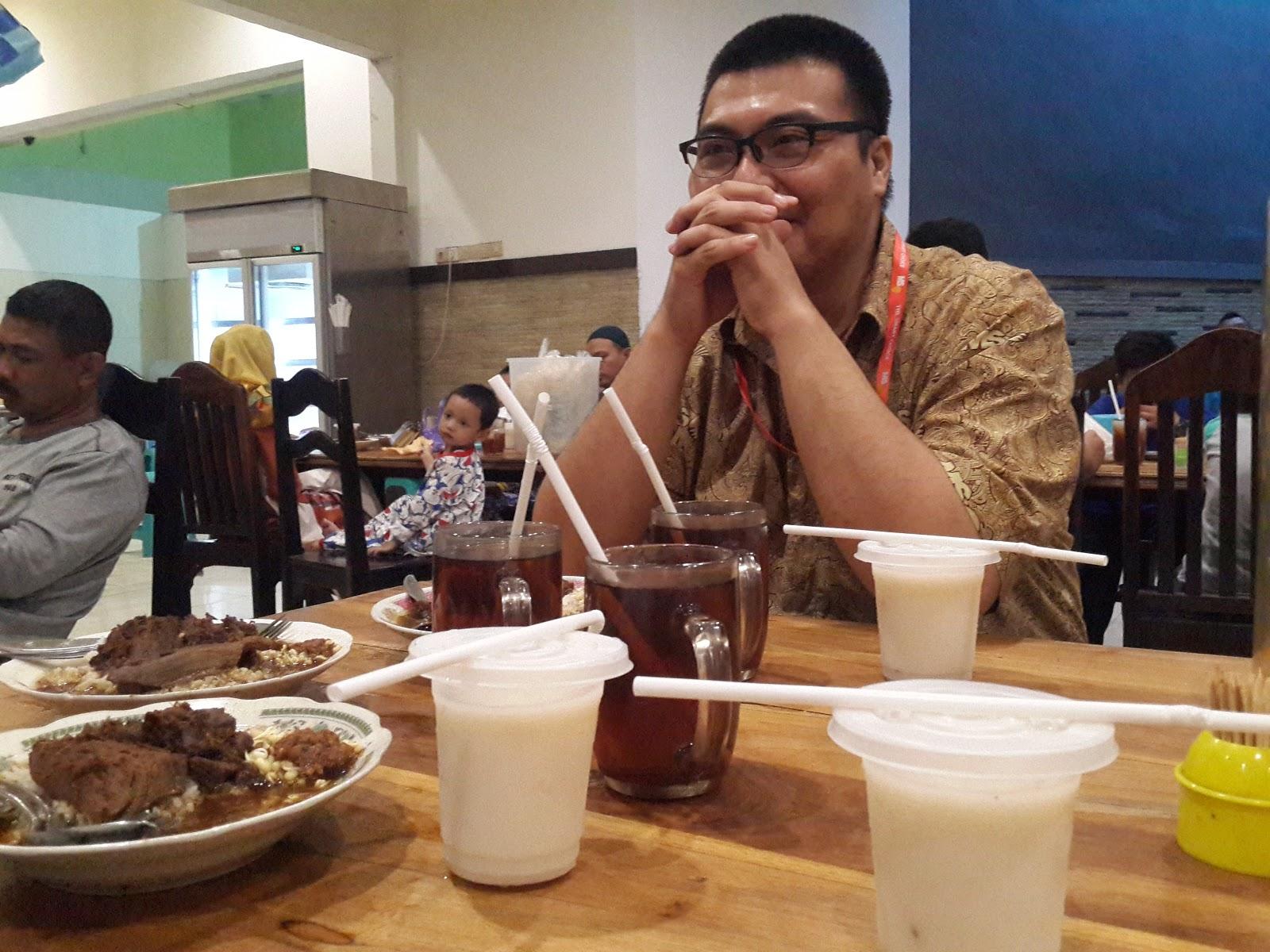 Berbuka Puasa di Rawon Rosobo Mojoagung Jombang