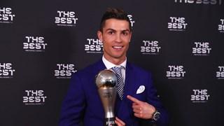 Cristiano Ronaldo Pemain Terbaik Dunia FIFA 2016