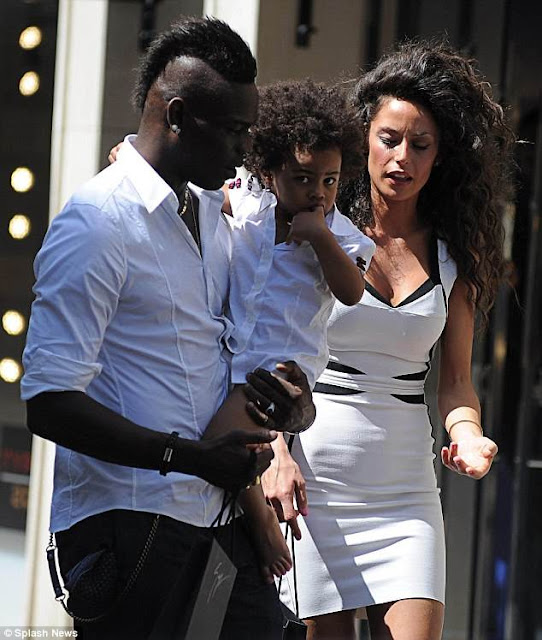 Friendly Exes: Mario Balotelli and Former Girlfriend Raffaella Take Daughter Pia Shopping