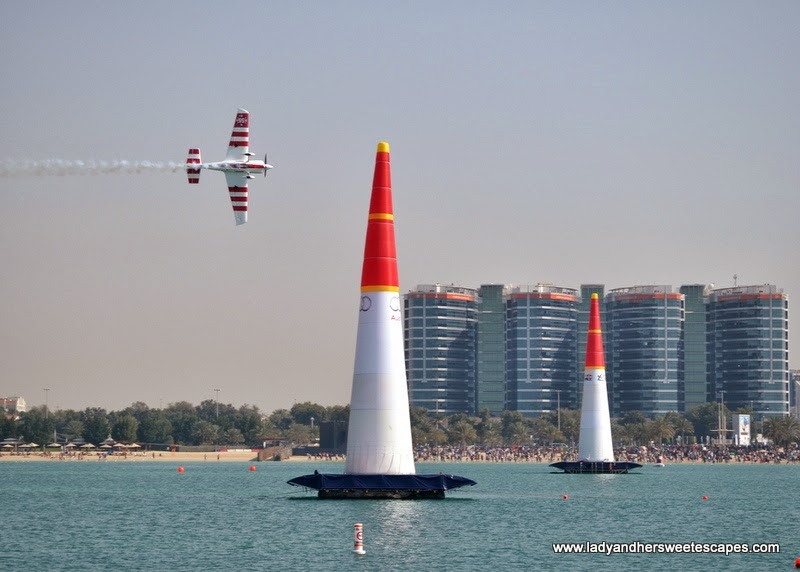 Red Bull Air Race in Abu Dhabi Corniche 3