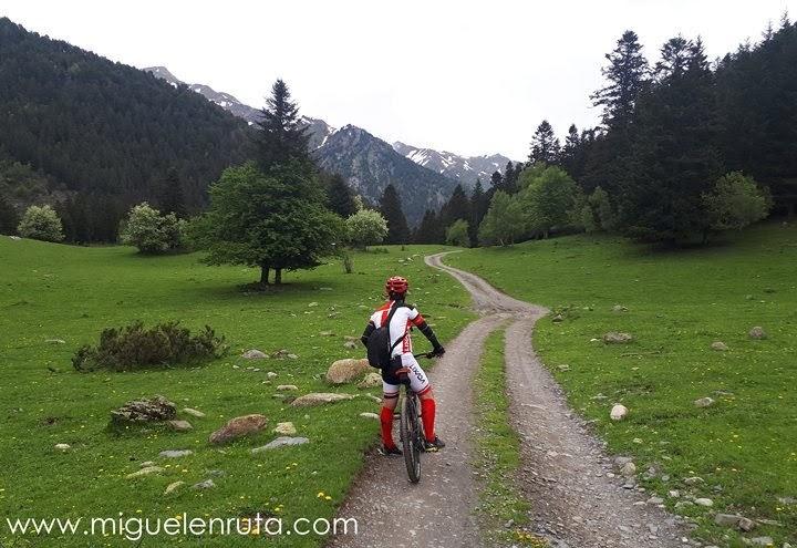 Cruzando-Valle-El-Pallars