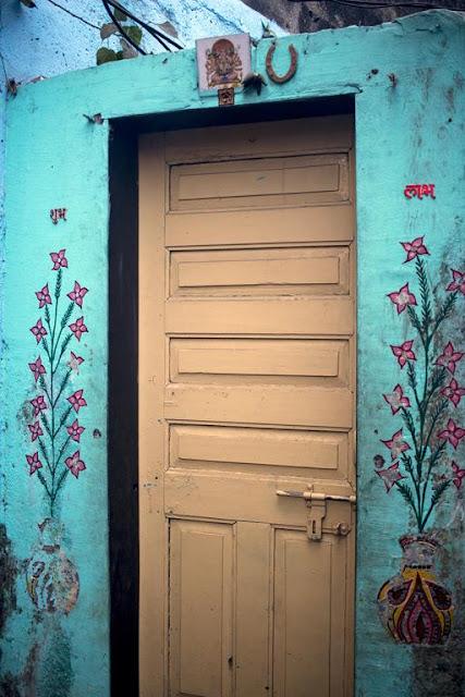 art, doorway, kumbharwada, dharavi, mumbai, india, street, streetphoto,