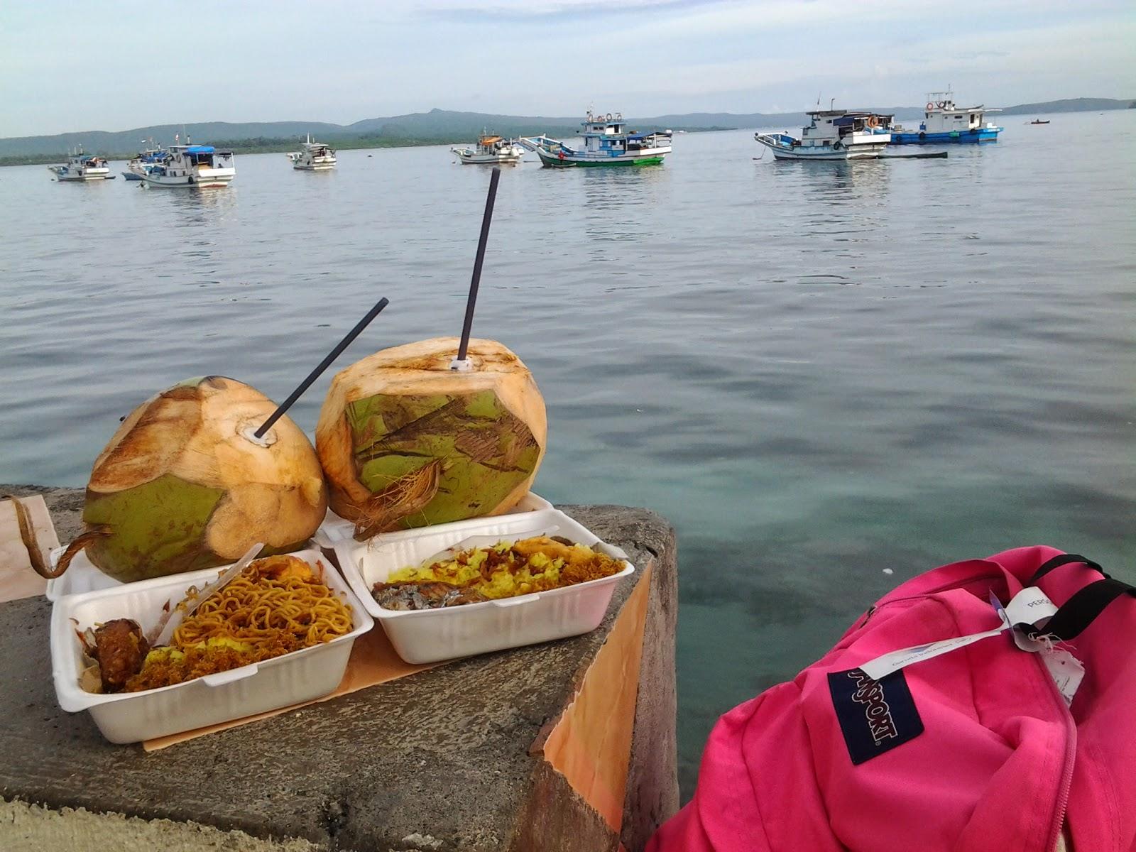 Makan Pagi Romantis di tepi Pantai Kamali
