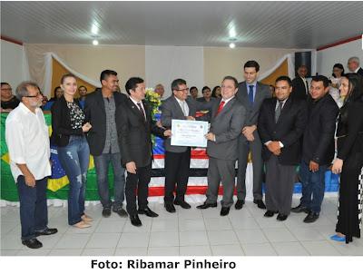 Desembargador Cleones Cunha e juiz Júlio Prazeres recebem Título de Cidadão Bomjardinense.