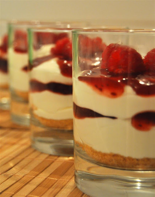 mason jar raspberry cheesecake