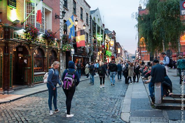 Temple bar noche Dublin Irlanda