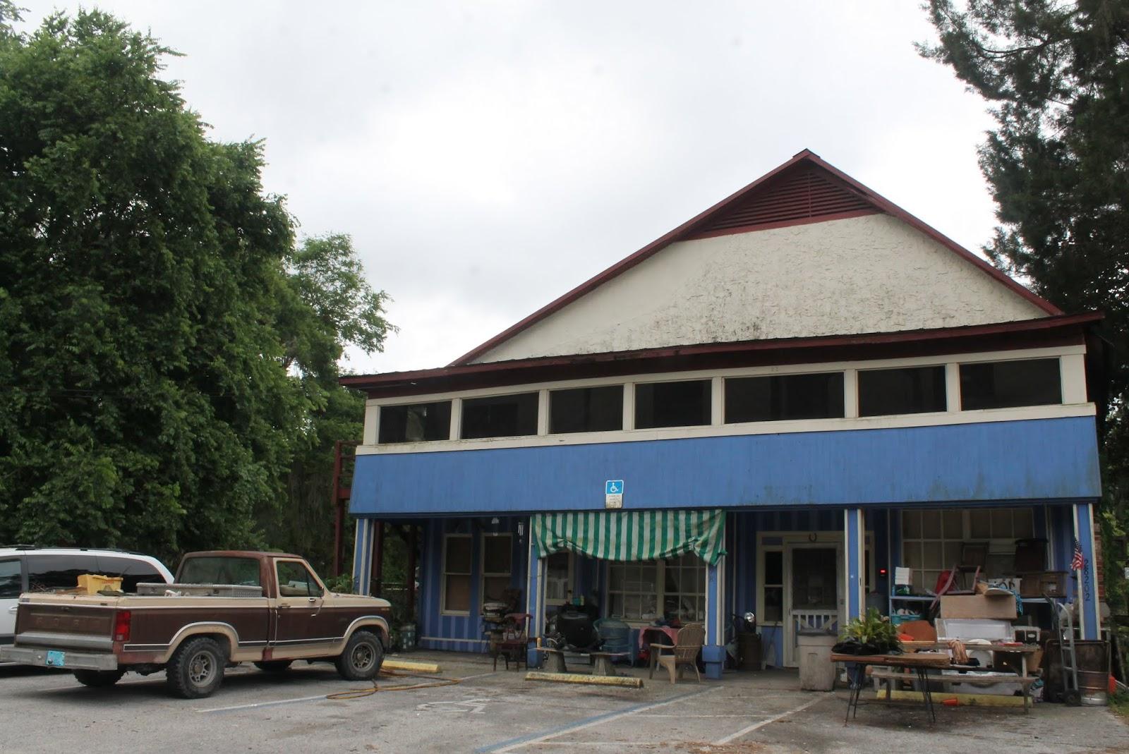 Comercios en Istachatta