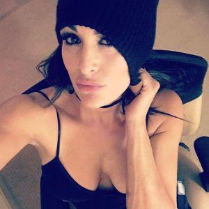 Nikki Bella Pegulat Cantik