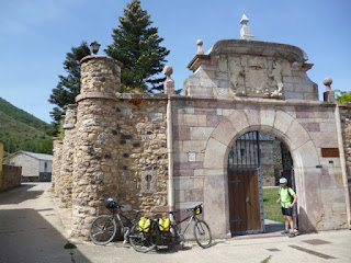 Palacio de los Quiñones (s. XV)