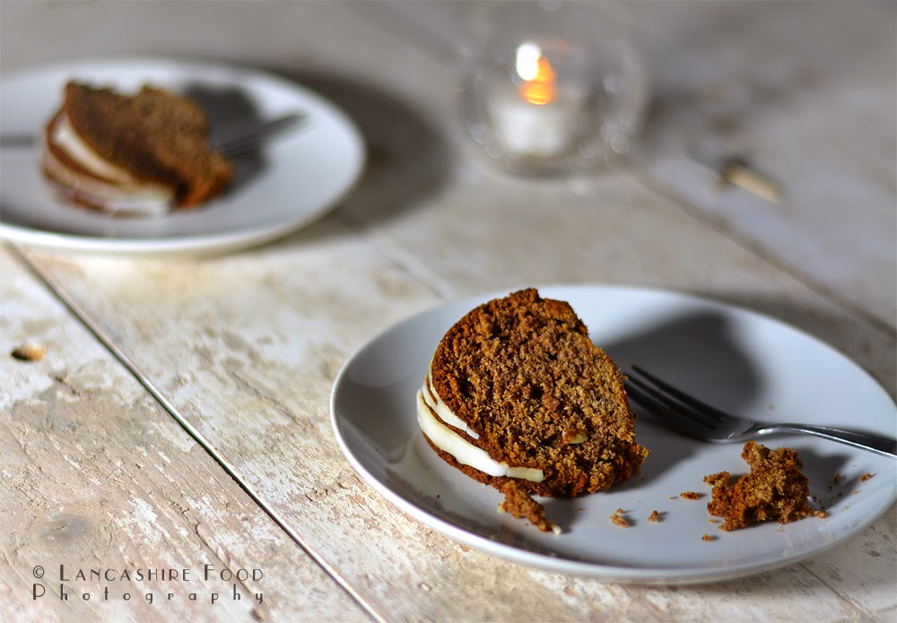 Spicy persimmon bundt cake