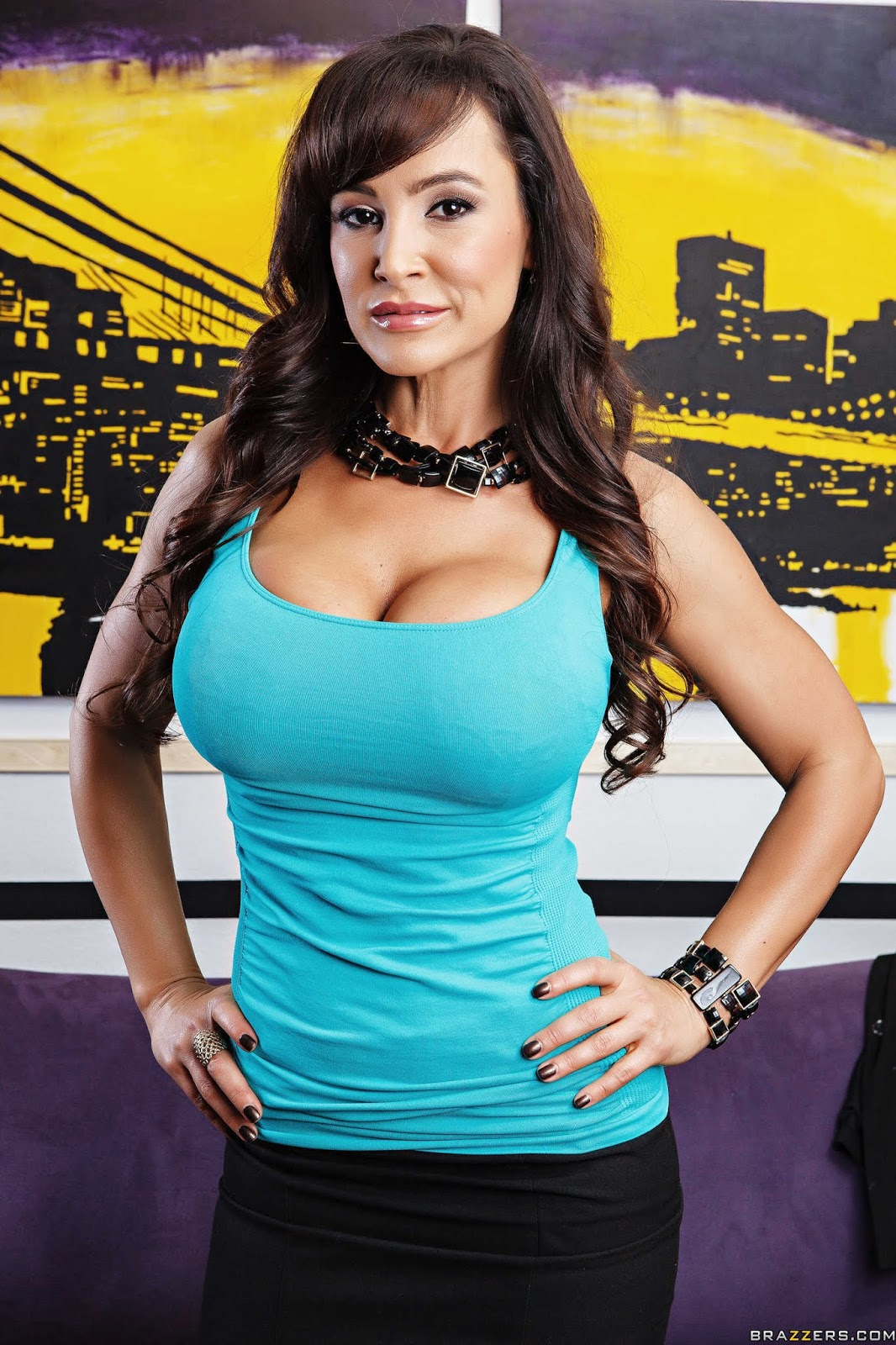 Lisa Ann & Ava Addams : Busted ## BRAZZERS
