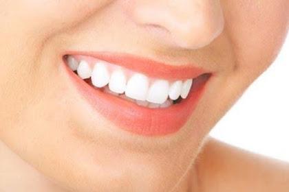 5 Cara Alami ini Bisa Membuat Gigi Kamu Putih, Sehat, dan Kuat