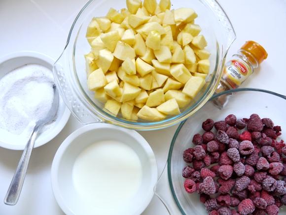Farmhouse Apple and Berry Pie Recipe - BirdsParty.com