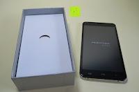 "auspacken: HOMTOM HT30 3G Smartphone 5.5""Android 6.0 MT6580 Quad Core 1.3GHz Mobile Phone 1GB RAM 8GB ROM Smart Gestures Wake Gestures Dual SIM OTA GPS WIFI,Weiß"