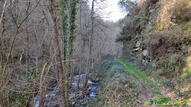 Río Faxeirúa desde el camino