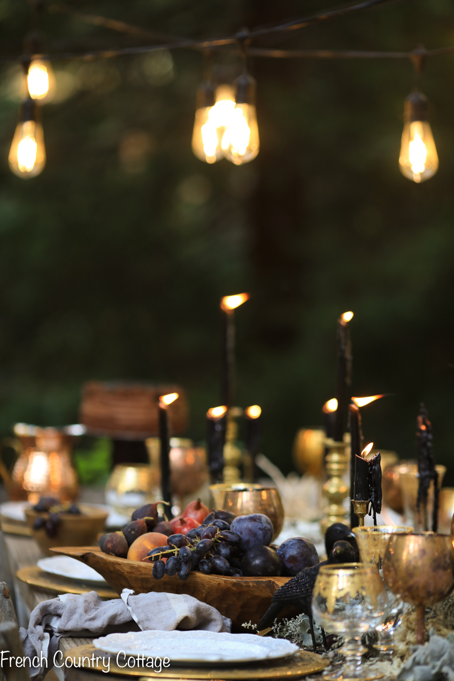 elegant outdoor halloween table setting