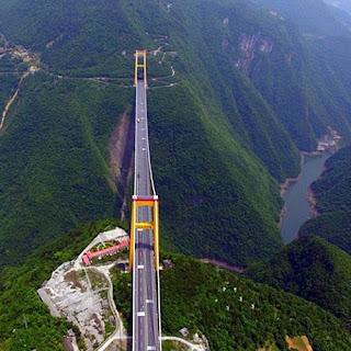 Jembatan terkstrim di Dunia