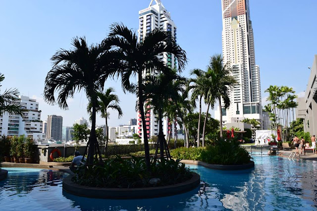 Amari Watergate Bangkok Pool review