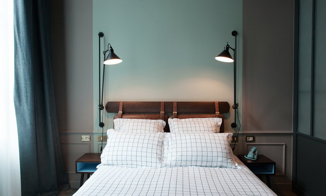 travel destinations the hoxton hotel in paris cool chic style fashion. Black Bedroom Furniture Sets. Home Design Ideas
