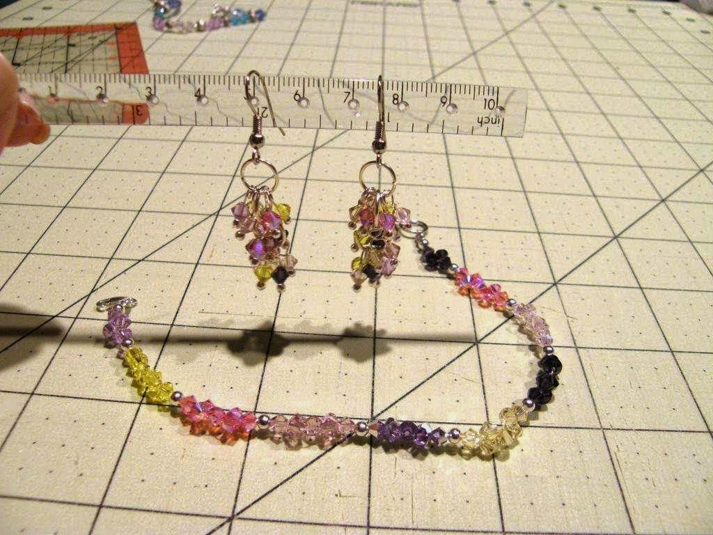 http://thewomanonthehill.blogspot.com/2014/07/easy-piecey-swarovski-earrings.html