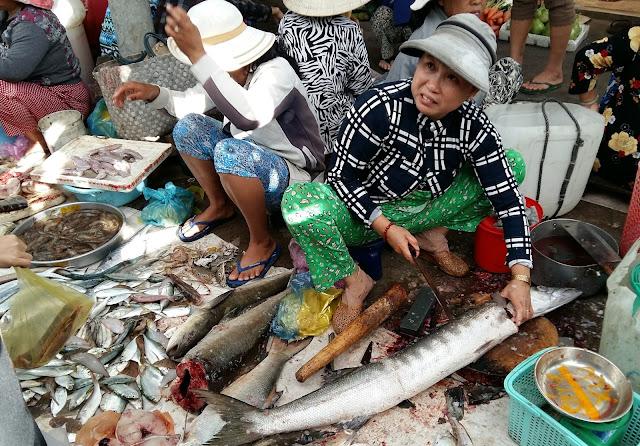 морепродукты на рынке муйне