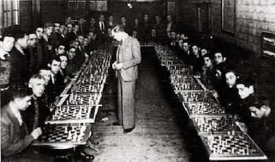 Sesión de simultáneas de Ángel Ribera en el Café Español de Sabadell el 27 de enero de 1935