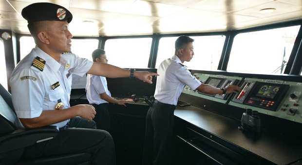KN. Tanjung Datu Berlayar Menuju Ambon