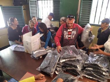 Suode acompañó entrega de uniformes a personal obrero de Cormetur