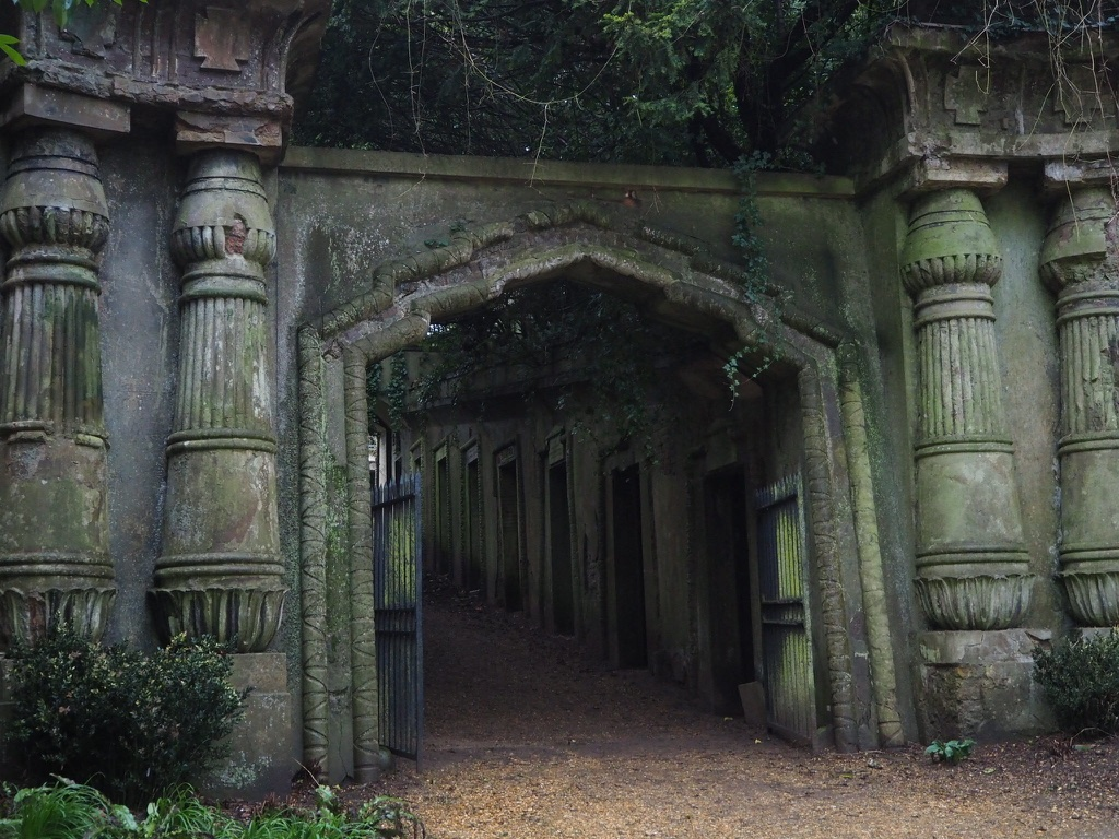 highgate cemetery egyptian