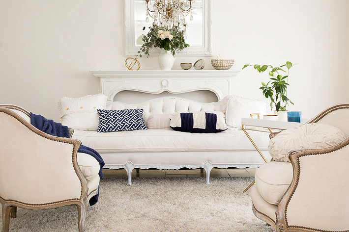 how to combine vintage furniture with new furniture