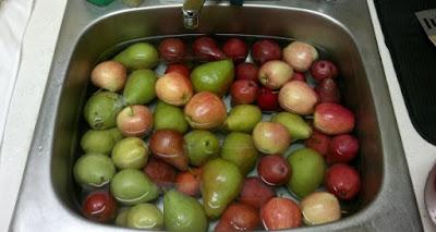 Cómo lavar correctamente las frutas y verduras para quitar la químicos nocivos