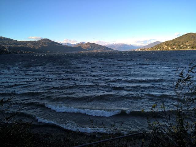 Onde sul Lago Maggiore