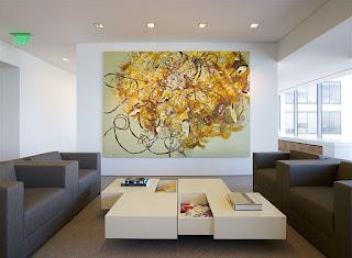 Абстракции в гостиной