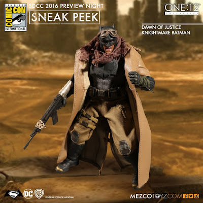 Mezco One:12 Collective Batman V Superman Dawn of Justice Knightmare Batman Figure