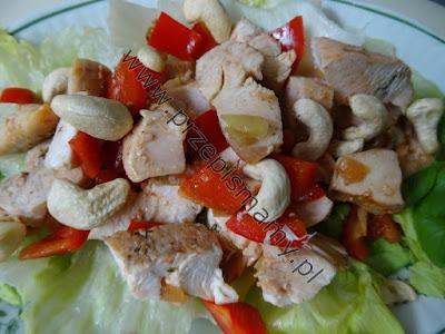 Kurczak z orzeszkami i chili