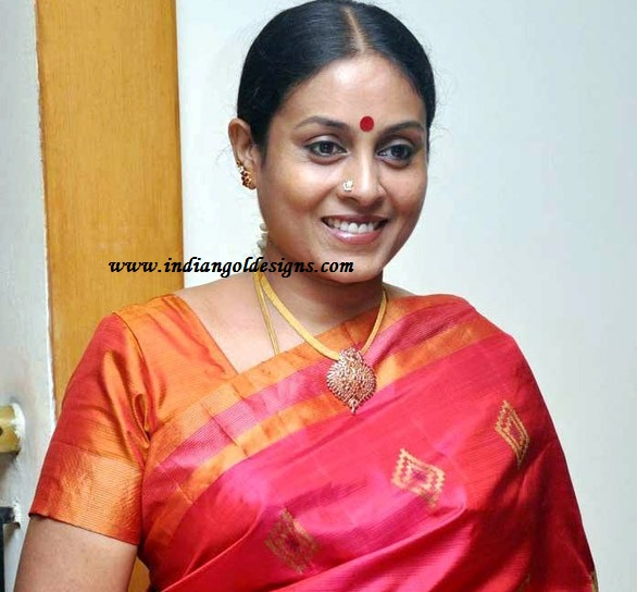 Ponvannan: Gold And Diamond Jewellery Designs: Saranya Ponvannan In