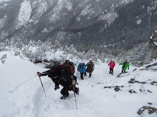 Ostra końcówka podejścia na szczyt Sarniej Skały.