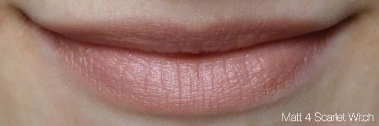 Cremekampagne Lippenstift Tragefoto Matt 4 Scarlet Witch